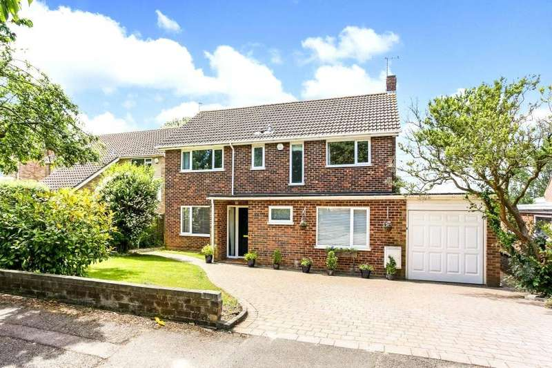 4 Bedrooms Detached House for sale in Kingsmill Road, Basingstoke, Hampshire, RG21