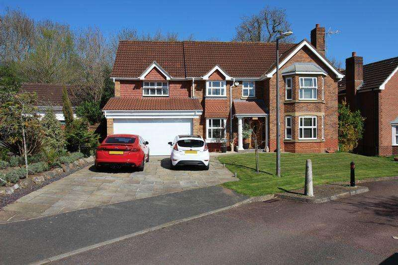 5 Bedrooms Detached House for sale in Brunel Close, Bridgeyate, Bristol