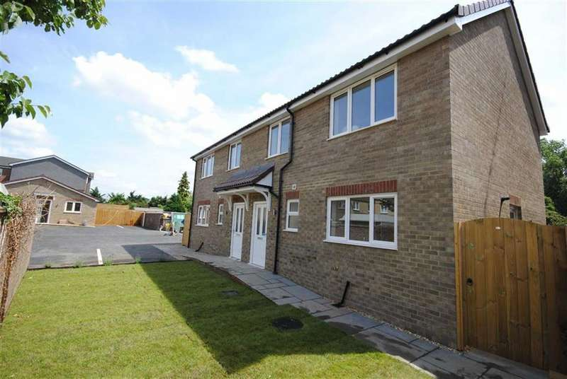 2 Bedrooms Semi Detached House for sale in Vandyke Road, Leighton Buzzard