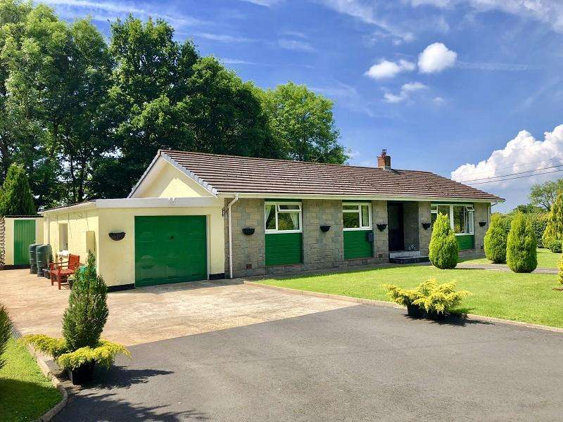 3 Bedrooms Bungalow for sale in Myddfai, Llandovery, Carmarthenshire.