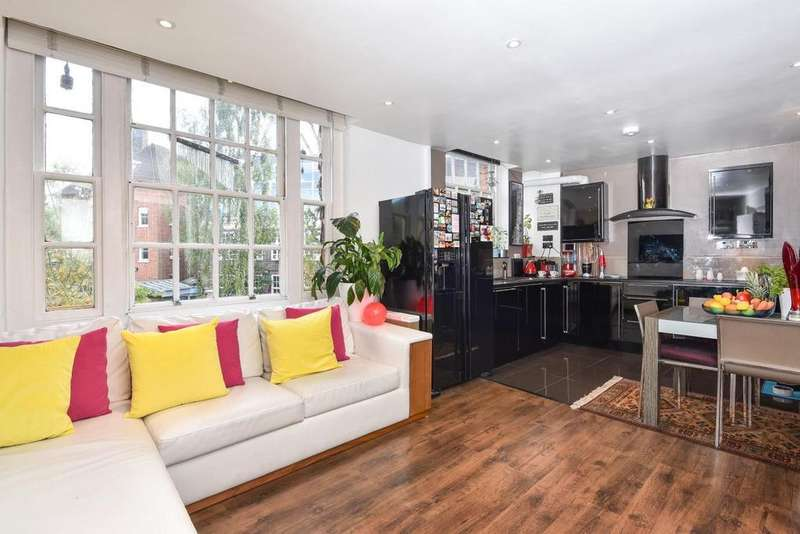 3 Bedrooms Flat for sale in Chester Road, Dartmouth Park