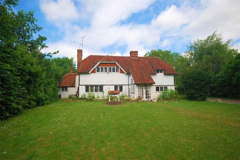 3 Bedrooms Cottage House for sale in Walnut Cottage, Brook End, Weston Turville, Buckinghamshire