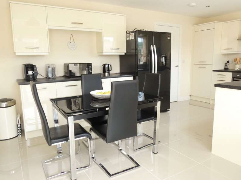 3 Bedrooms Semi Detached House for sale in Wintergreen Avenue, Norris Green, Merseyside, L11