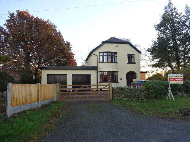 3 Bedrooms Detached House for sale in Pentir, BANGOR LL57