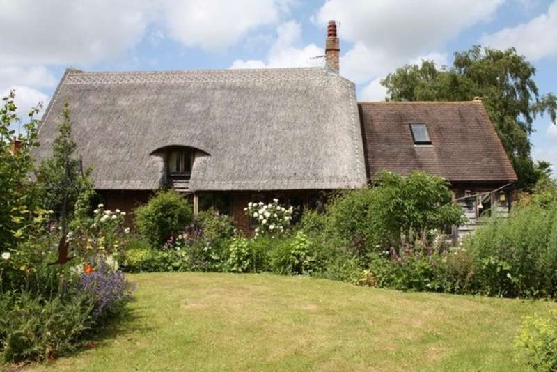 3 Bedrooms Cottage House for sale in Lincolns, Strethall, SAFFRON WALDEN, Essex