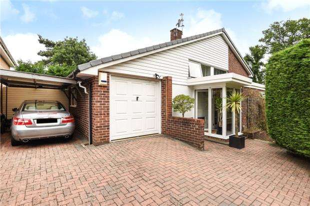 3 Bedrooms Detached House for sale in Mickle Hill, Little Sandhurst, Berkshire