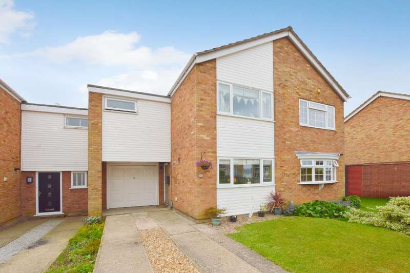 3 Bedrooms Terraced House for sale in Telscombe Way, Stopsley, Luton, LU2 8QR