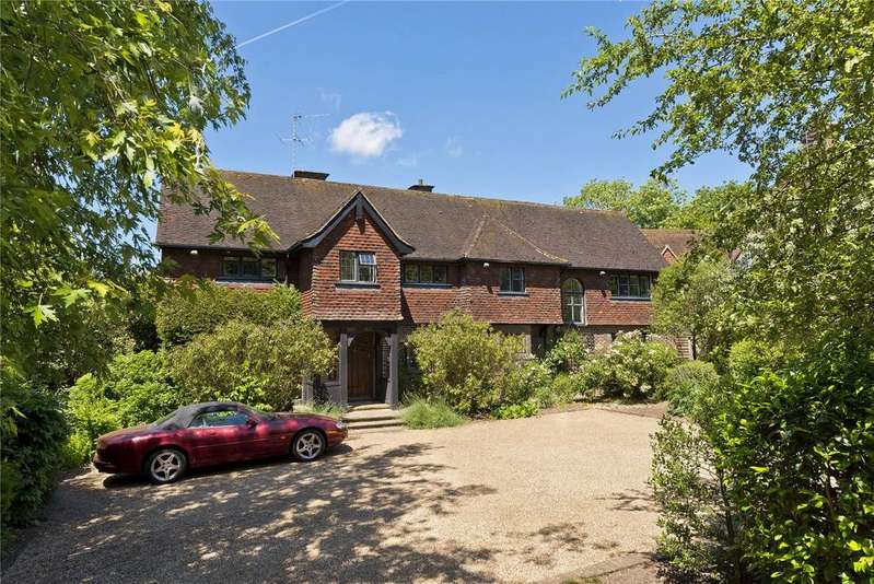 6 Bedrooms Detached House for sale in Hawkshill Close, Esher, Surrey, KT10