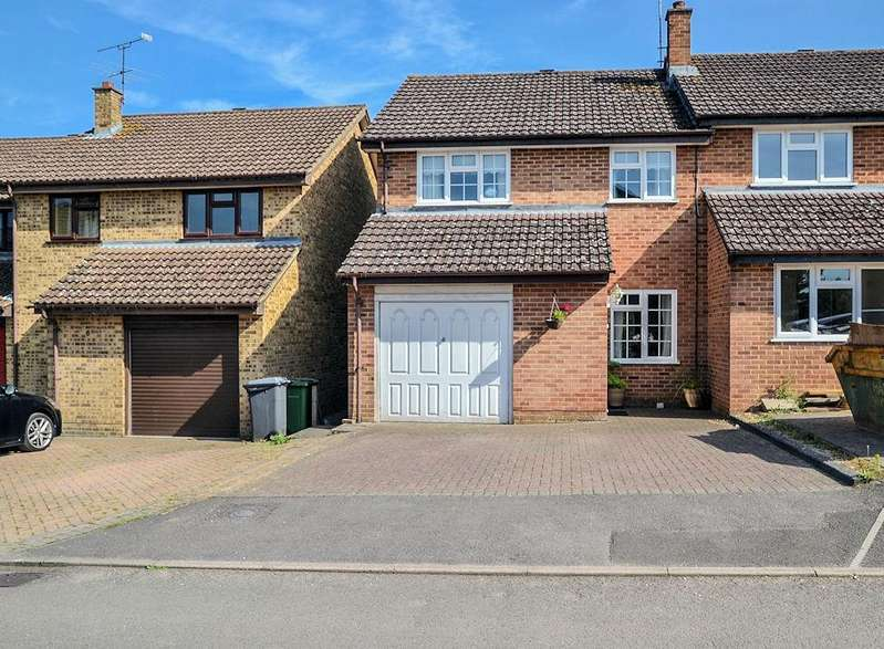 3 Bedrooms Semi Detached House for sale in Five Acre, Tilehurst, Reading
