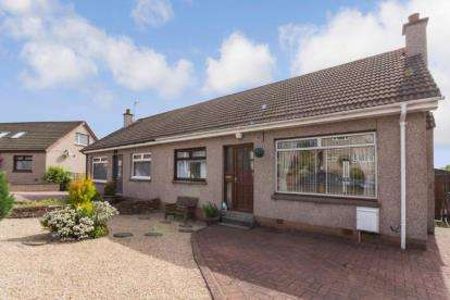 4 Bedrooms Semi Detached House for sale in The Hennings, Sauchie
