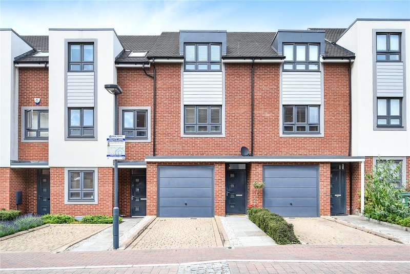 3 Bedrooms Town House for sale in Rembrandt Way, Watford, Hertfordshire, WD18
