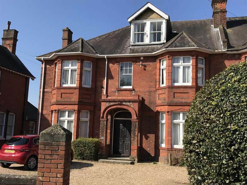 6 Bedrooms End Of Terrace House for sale in Elmhurst Road, Gosport PO12