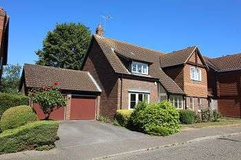 4 Bedrooms Detached House for sale in Canterbury Way, Chelmsford, CM1 2XN