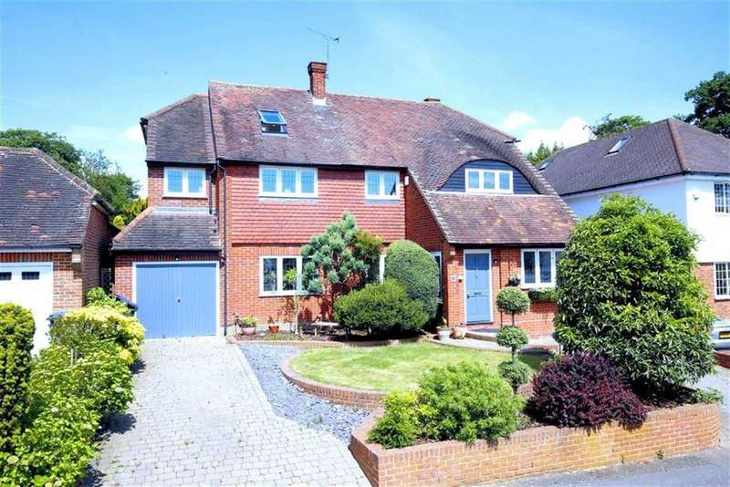 5 Bedrooms Detached House for sale in Ravensmere, Epping, Essex