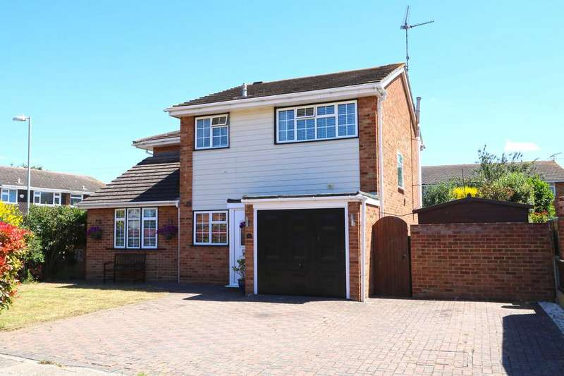 4 Bedrooms Detached House for sale in Eastfield Road, Canvey Island SS8