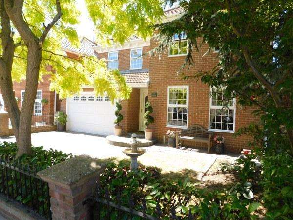 4 Bedrooms Detached House for sale in 5 SILVERPOINT MARINE
