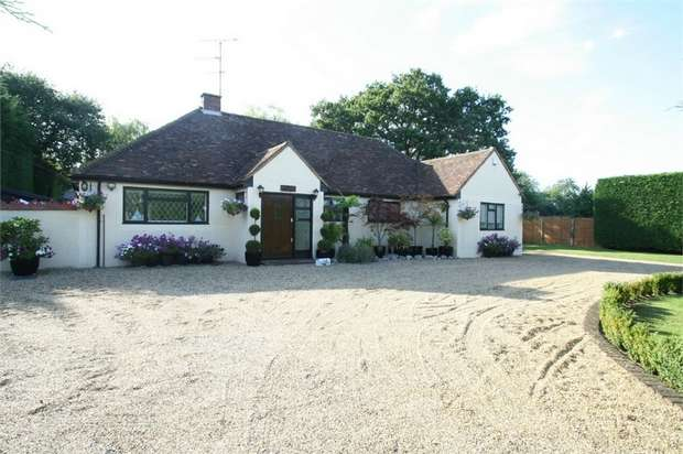 3 Bedrooms Detached Bungalow for sale in London Road, Spellbrook, Hertfordshire