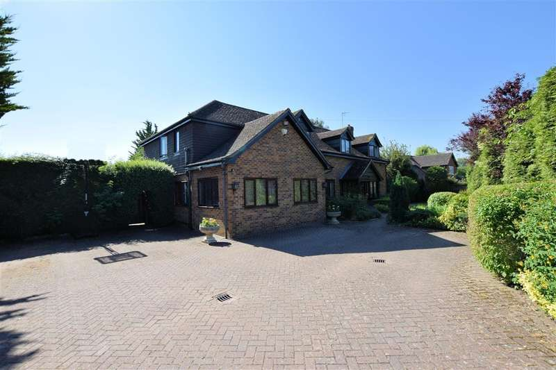 5 Bedrooms Detached House for sale in Loddon Court Farm, Spencers Wood, RG7