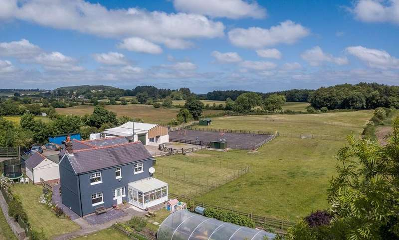 3 Bedrooms Equestrian Facility Character Property for sale in Nr Holywell, Flintshire