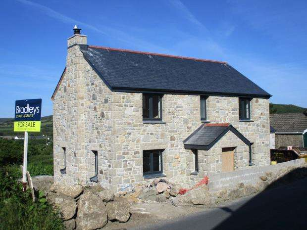 4 Bedrooms Detached House for sale in Halsetown, St Ives, Cornwall