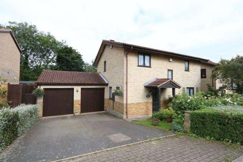 4 Bedrooms Detached House for sale in Oakley Gardens, Milton Keynes
