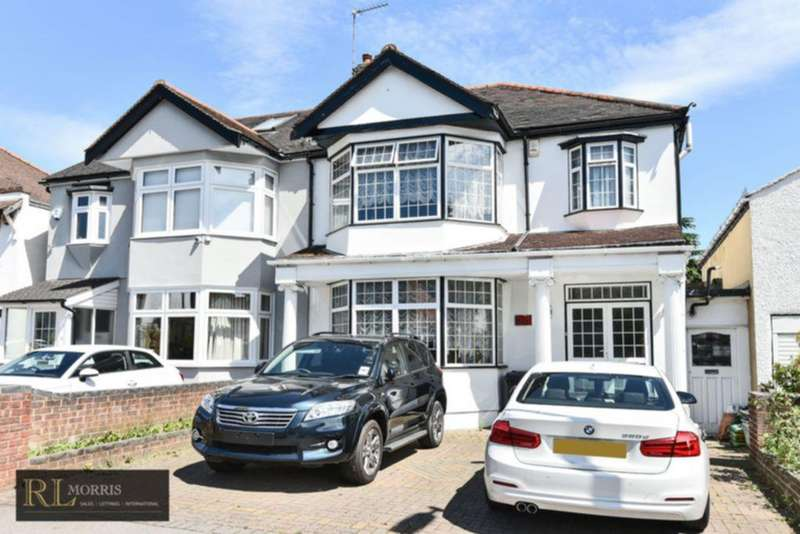 3 Bedrooms Semi Detached House for sale in Greenhayes Drive, South Woodford, E18