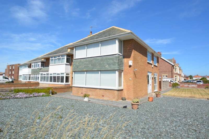 3 Bedrooms Detached House for sale in Clifton Drive, South Shore, Blackpool, FY4 1PH