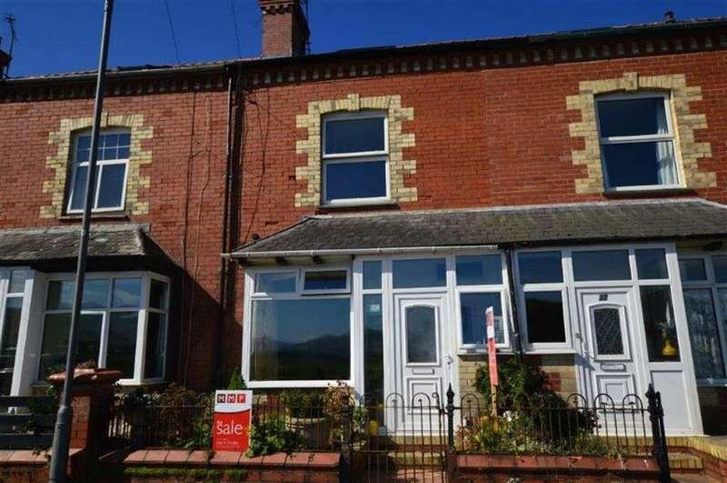 4 Bedrooms Terraced House for sale in 31, Idris Villas, Tywyn, Gwynedd, LL36