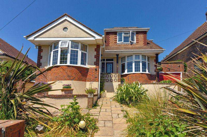 4 Bedrooms Detached House for sale in Ring Road, Lancing