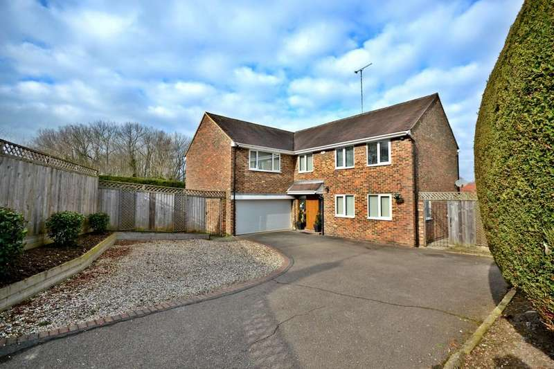 5 Bedrooms Detached House for sale in Meadowford, Newport