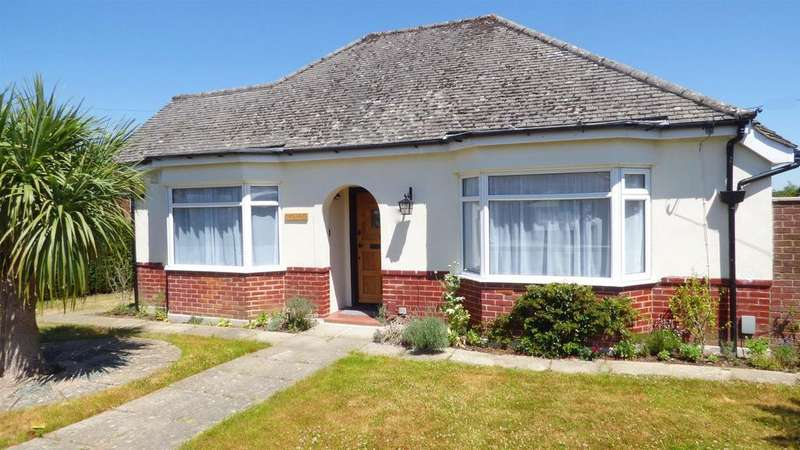 2 Bedrooms Detached Bungalow for sale in Pengelly Avenue, Bournemouth