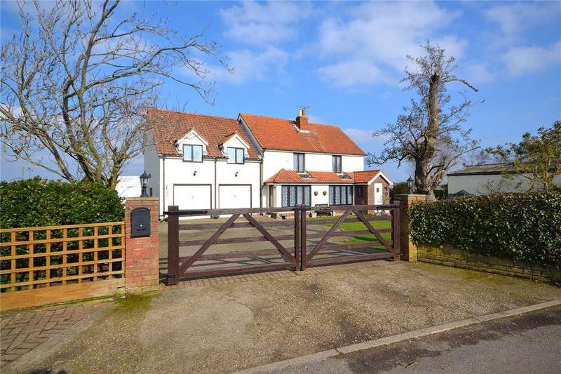 4 Bedrooms Detached House for sale in Lucas Lane, Beaumont, Essex