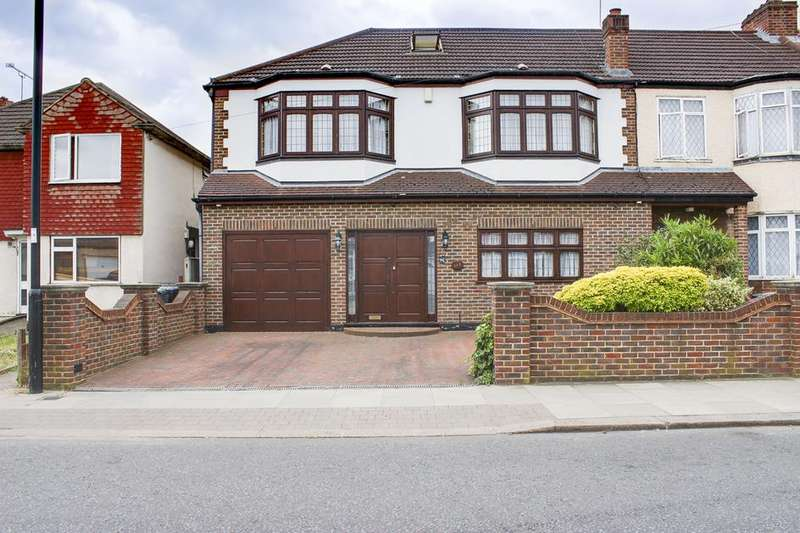 4 Bedrooms Terraced House for sale in Carterhatch Road, Enfield, London, EN3