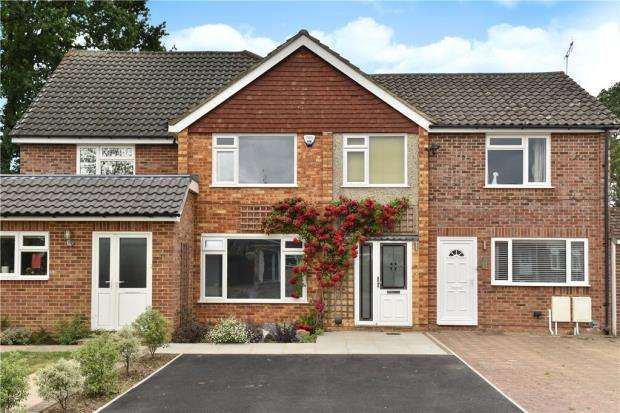 3 Bedrooms Terraced House for sale in Purcell Road, Crowthorne, Berkshire
