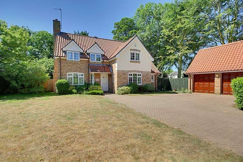 4 Bedrooms Detached House for sale in The Grove, Mundford, Thetford