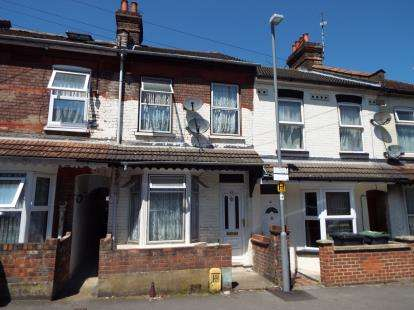 House for sale in Ivy Road, Luton, Bedfordshire, England