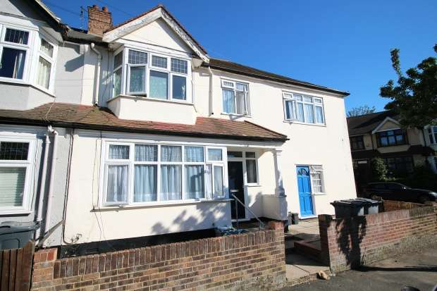 4 Bedrooms Semi Detached House for sale in Rockmount Road, Upper Norwood, Greater London, SE19 3SZ