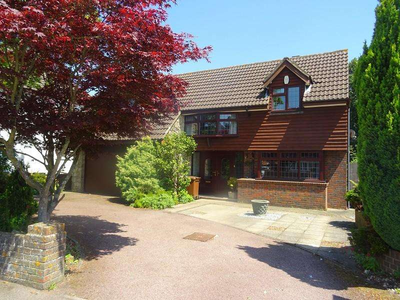 5 Bedrooms Detached House for sale in Springvale , Wigmore, Kent. ME8 0JG