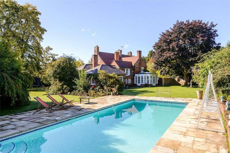 6 Bedrooms Detached House for sale in Chertsey Road, Chobham, Woking, Surrey