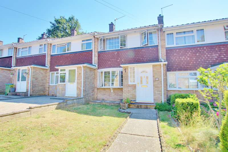 3 Bedrooms Terraced House for sale in NO FORWARD CHAIN! GARAGE! Bitterne, Southampton