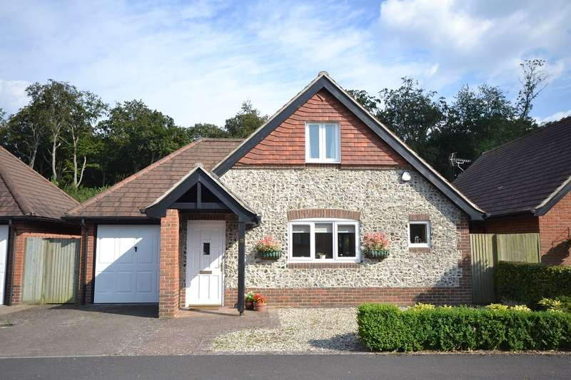 2 Bedrooms Bungalow for sale in Ilex Close, Sonning Common, Reading