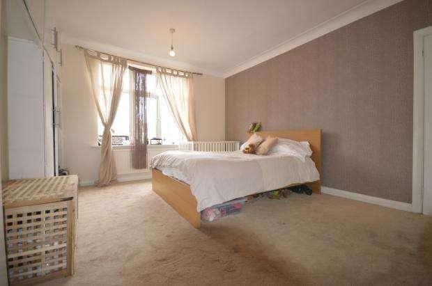 5 Bedrooms Semi Detached House for sale in Crantock Road, Catford, SE6