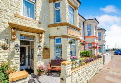 7 Bedrooms Terraced House for sale in Great Yarmouth, Norfolk