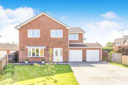 5 Bedrooms Detached House for sale in Meadow Close, Grimoldby, Louth, Lincolnshire