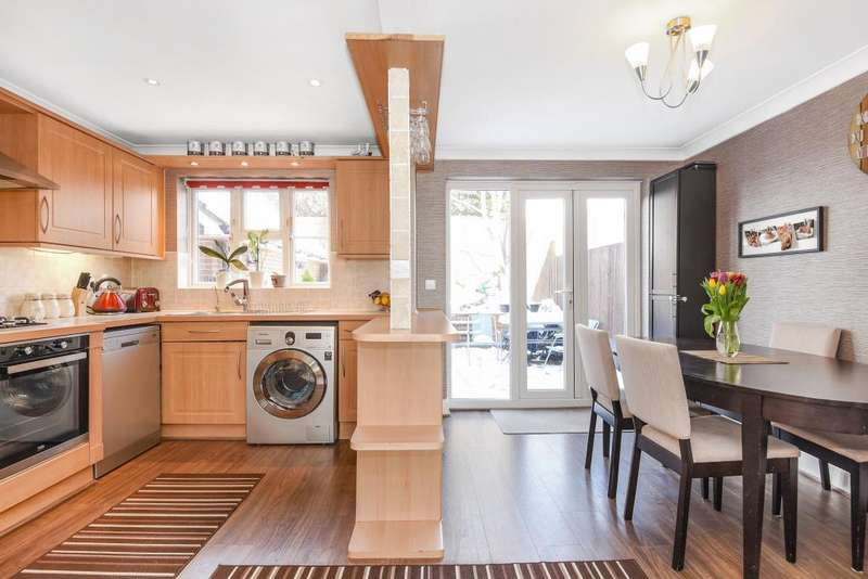 4 Bedrooms House for sale in Claremont Crescent, Newbury, RG14
