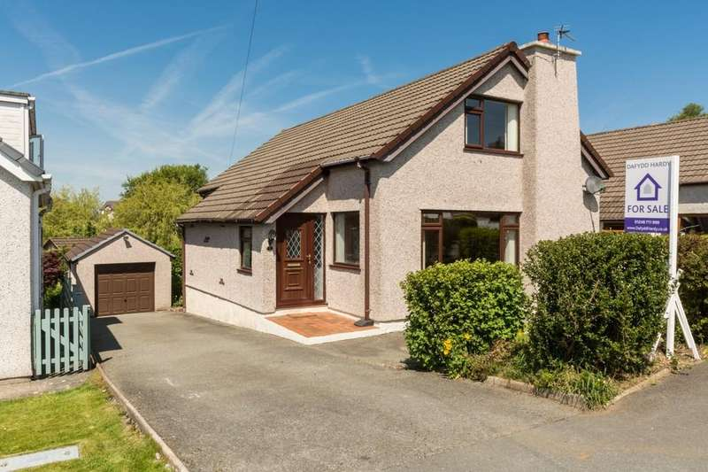 4 Bedrooms Detached Bungalow for sale in Llanfairpwllgwyngyll, Isle of Anglesey