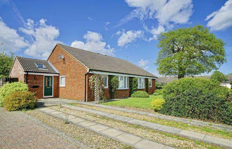3 Bedrooms Detached Bungalow for sale in Evans Close, Brampton