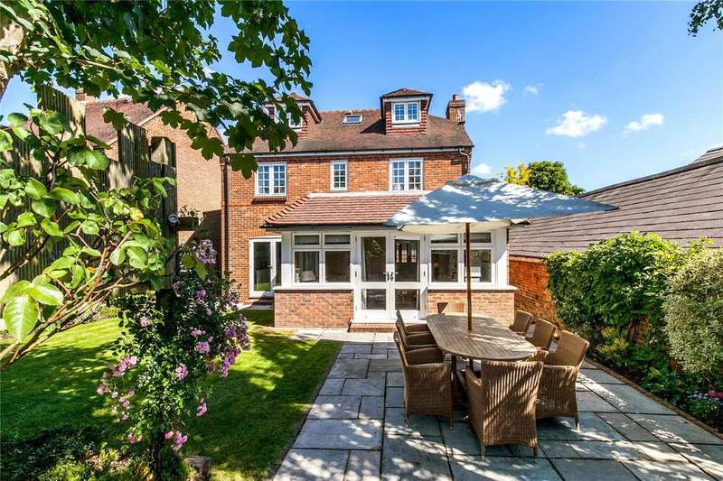 5 Bedrooms Detached House for sale in Meadow Lane, Hamble, Southampton, SO31