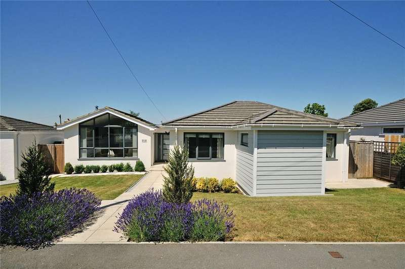 4 Bedrooms Detached Bungalow for sale in Pine Close, Winchester, Hampshire, SO22
