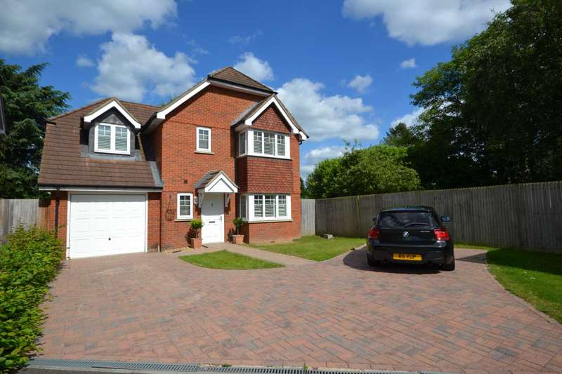 4 Bedrooms Detached House for sale in Overton Drive, Caversham